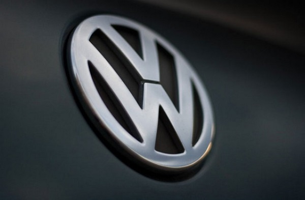 After VW Admits Cheating Emission test , Mercedes , BMW and Peugeot Also Accused