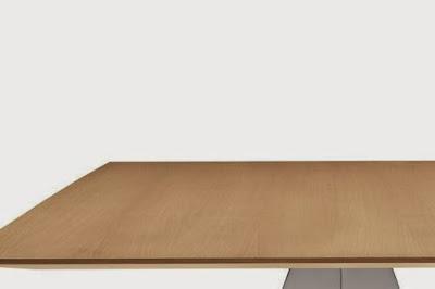 Come realizzare una scrivania porta computer low cost per - Ingrosso bevande piano tavola ...
