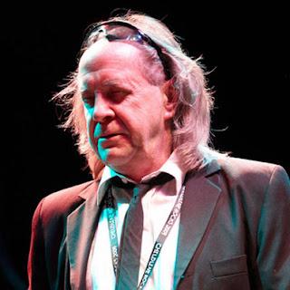 Il cantante e chitarrista dei Pretty Things Phil May, oggi 9 novembre 69enne