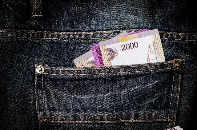 Menjatah Uang Perhari