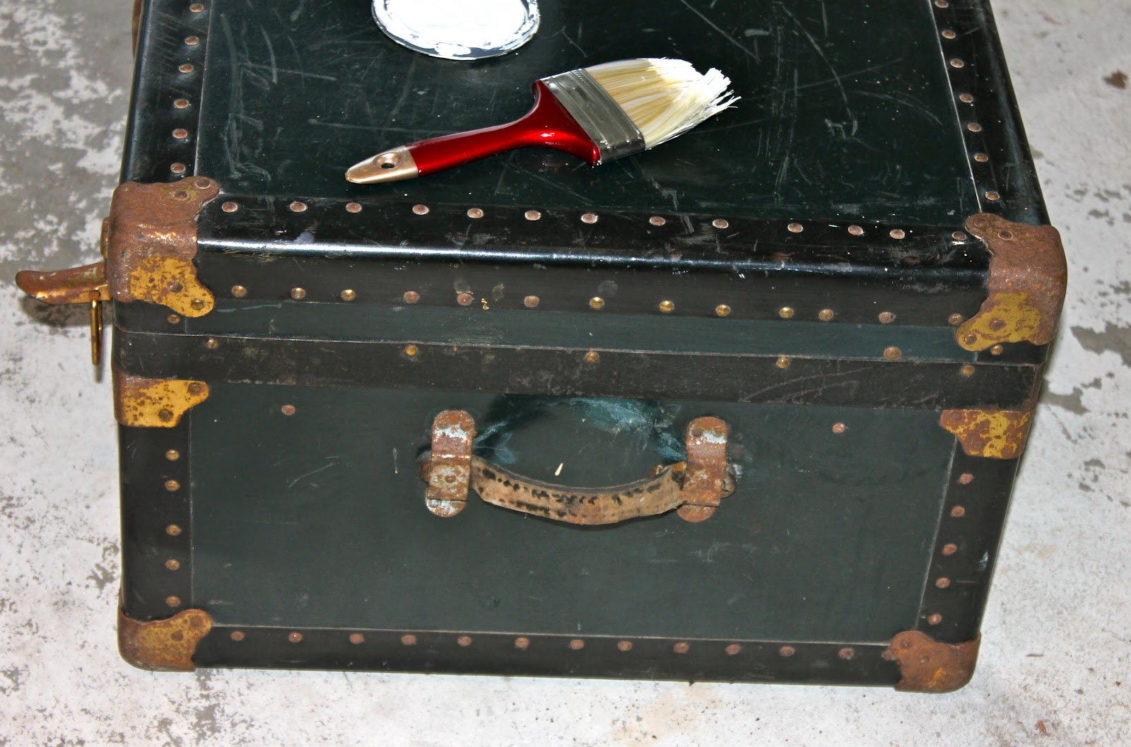 My Passion For Decor: Neglected Steamer Trunk Makeover