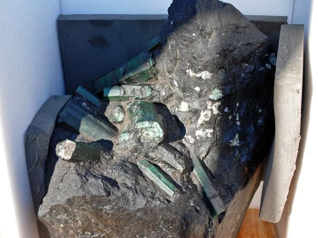 Esmeralda gigante encontrada na Bahia era disputada nos EUA (Foto: AP)