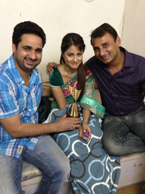 Hina Khan New Photos - Hina Baby And Husband Pictures New Look Gallery ...