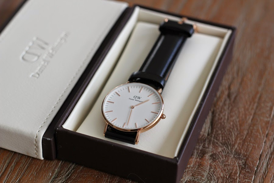 часы daniel wellington sheffield gold копия Demeter