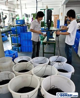 Kilang Earphone Buatan China