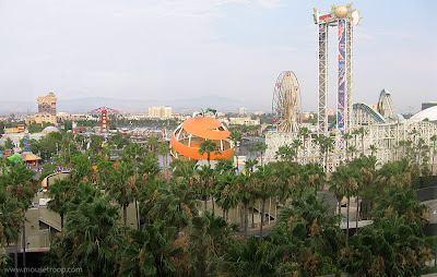 Old Paradise Pier Orange Stinger Maliboomer DCA