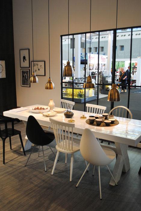 Rvs Keuken Werkbank : Keuken Hout: Robuuste industri?le werkbank soekis. Rvs grote keuken
