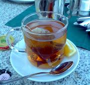 Černý čaj s citronem