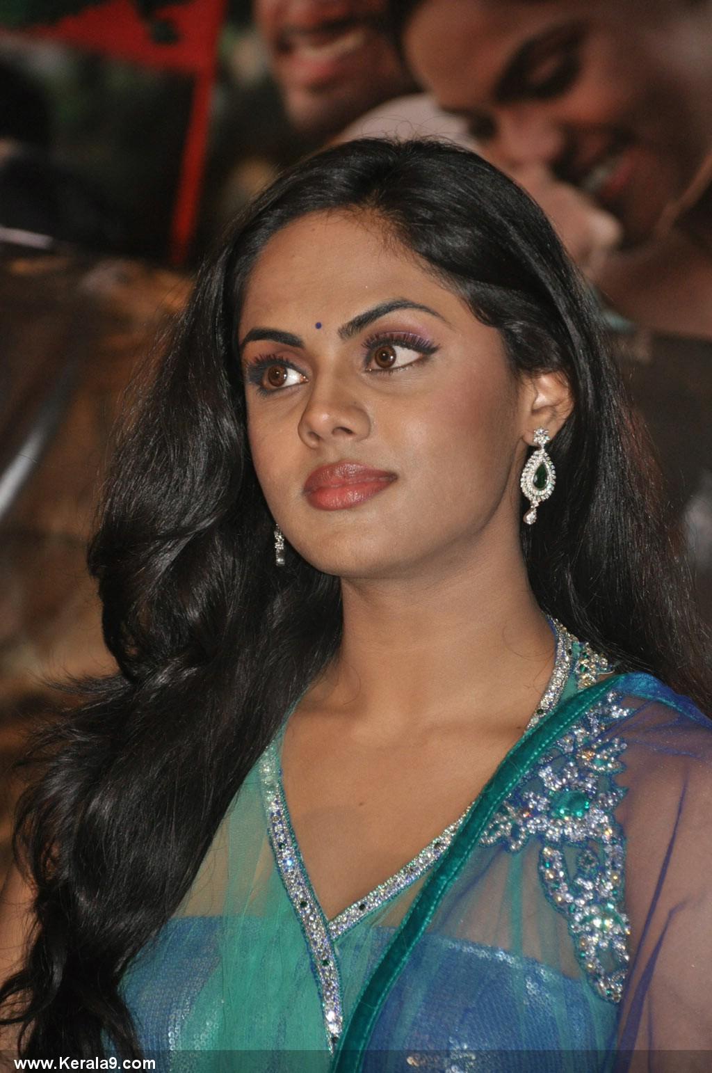 actresses gallery: karthika nair