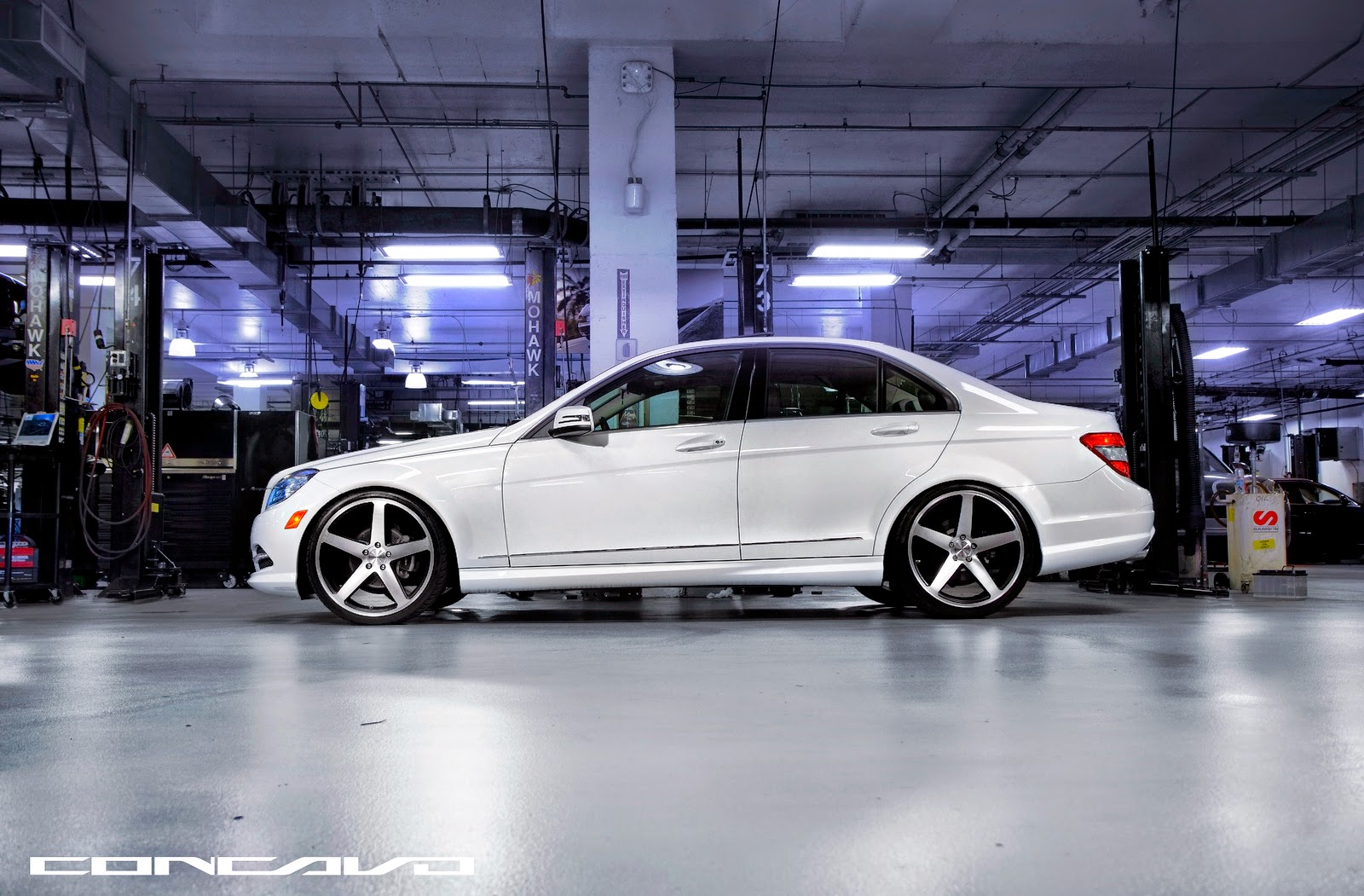 Mercedes benz w204 c300 on 20 cw 5 concavo wheels for Mercedes benz c300 rims