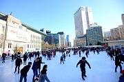 เล่นสเก็ตที่ Seoul Plaza Ice Rink