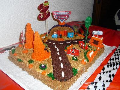 Tarta Cars Coches Rayo Cumpleaños Aniversario Niño Fiesta Fondant Almendras Azúcar Glas Carretera Mate