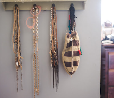 jewelry storage, the cultivated one, necklace storage