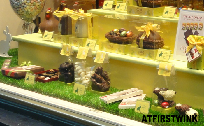 Corné Port Royal easter shop window: chocolate eggs,chicken, and sheep