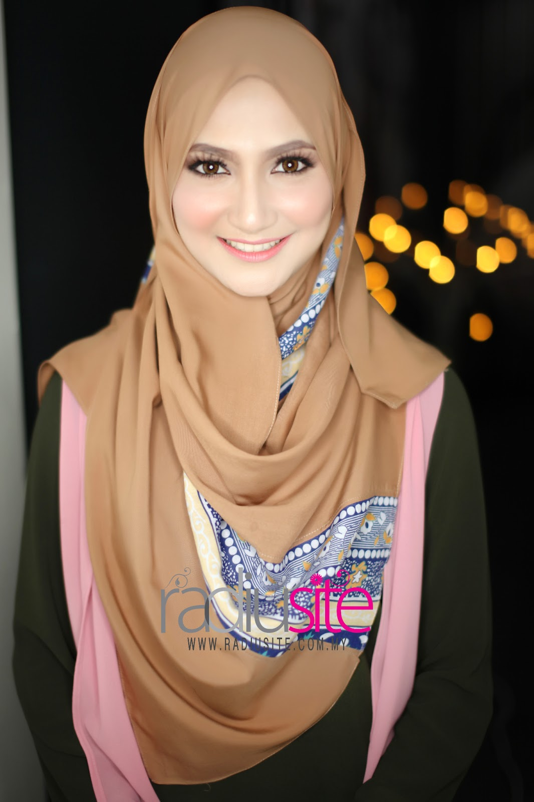 Radiusite Shawl http://www.radiusite.com/2013/04/adra-limited-edition-04-april-2013-11-am.html