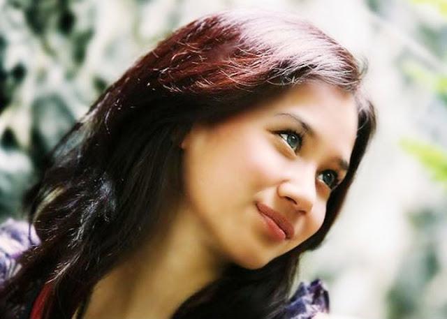 Foto Profil Biodata Gista Putri Model Video Klip Noah Band