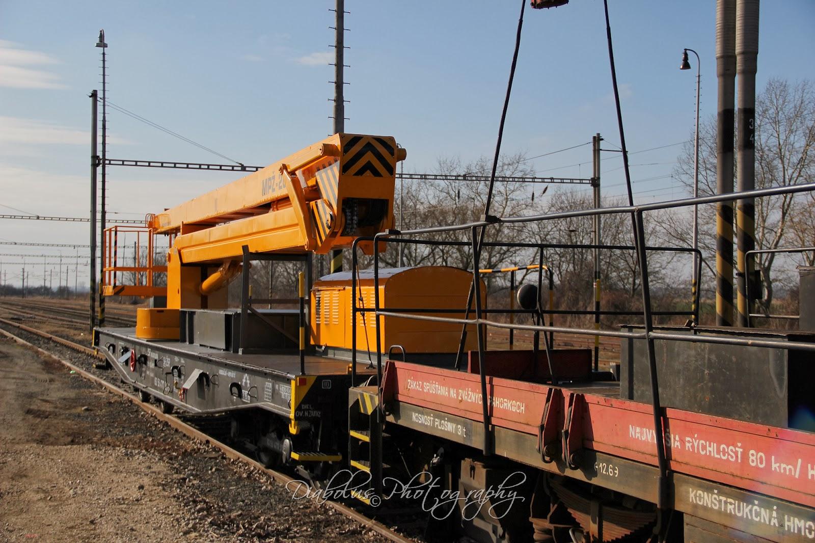 Vagon se zdvižnou plošinou