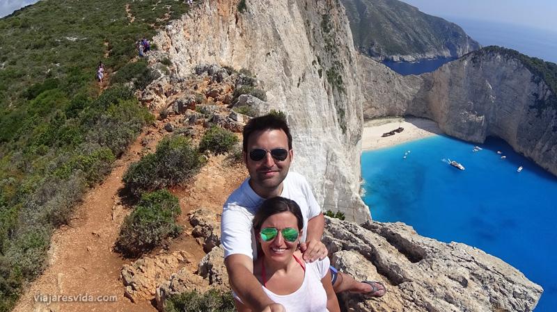Viajaresvida - Playa Naufragio en Zacinto desde la colina