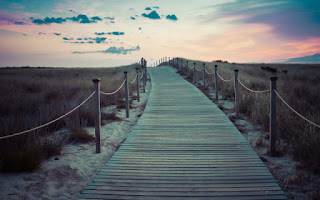 Salir del trabajo a dar un paseo aumenta el estado de ánimo