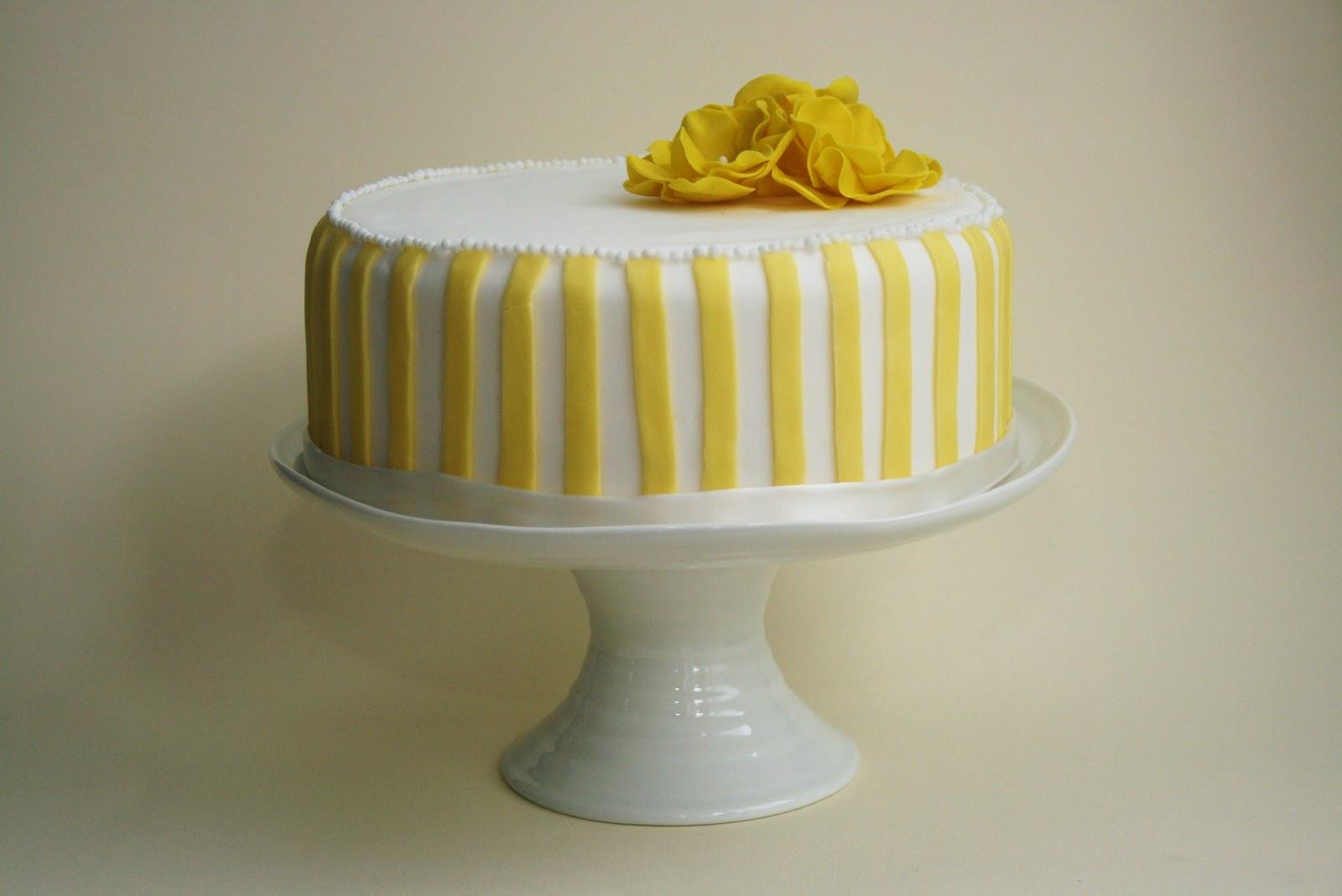 Lemon Cake Decoration  Viewing Gallery ~ 162105_Lemon Cake Decoration Ideas