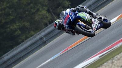 [Sports] Kecepatan Rossi di MotoGP Australia Bikin Lorenzo Terkejut