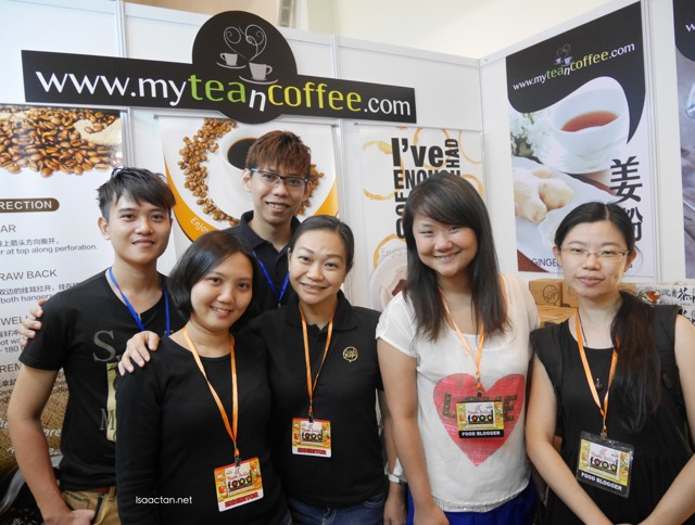 A shot with the folks from myteancoffee.com and fellow foodies
