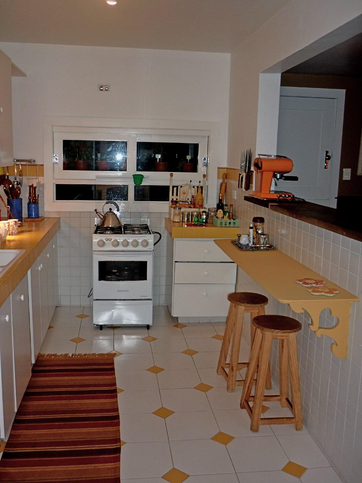 Minha casa & Sua casa: Cozinha pequena vamos nos inspirar e decorar  #9F662C 1152 1536