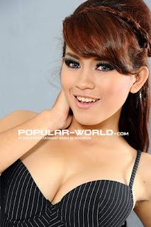 Evi Safitri Model Majalah Popular Word, BFN Mei 2013