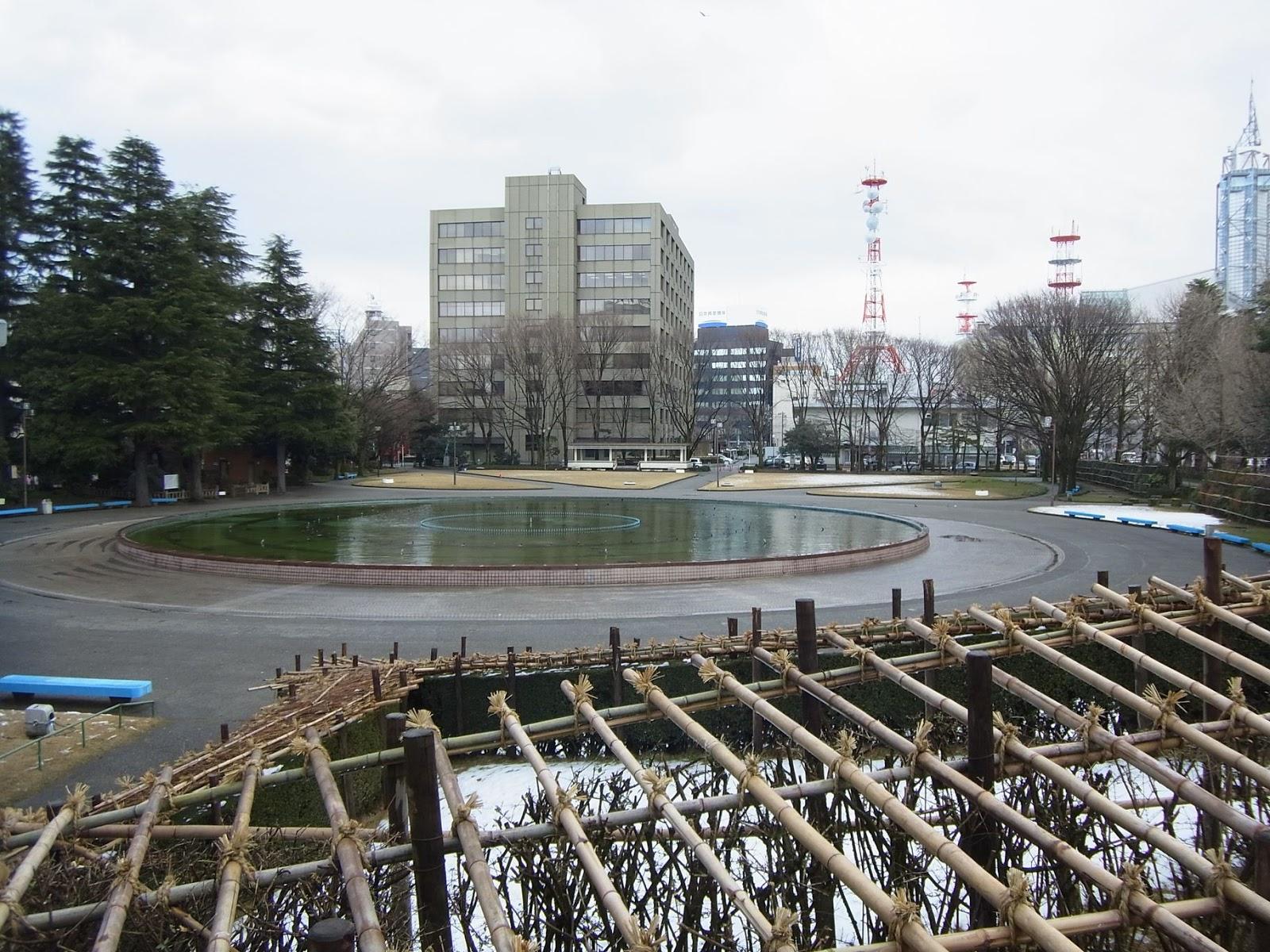 374/1000 県庁前公園(富山県富山市)