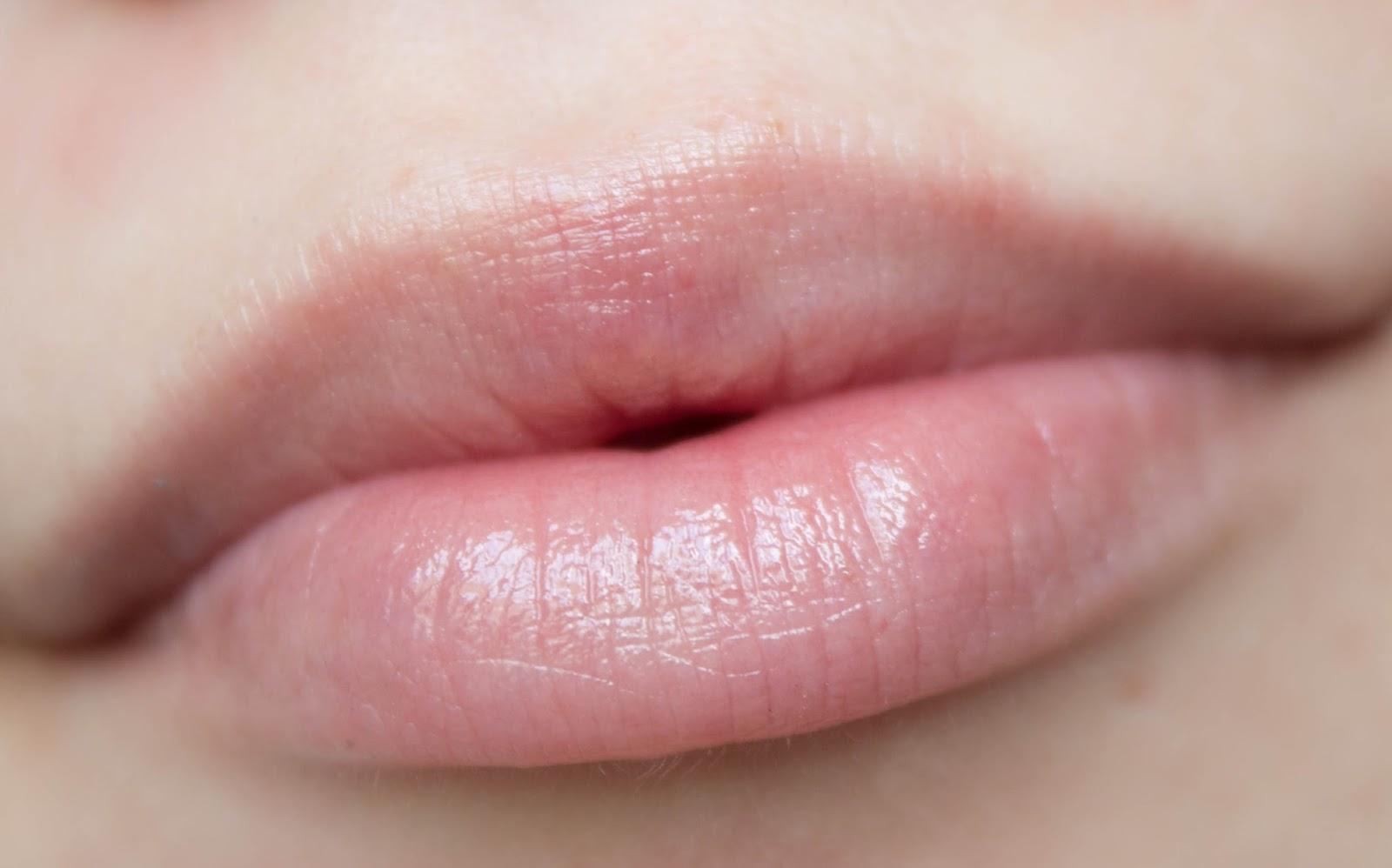 Спермачка на губах 27 фотография