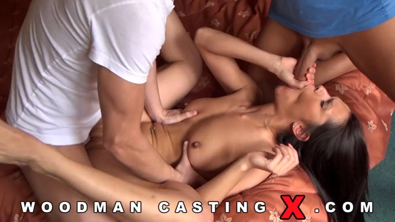 samantha rone aria alexander in girls kissing girls 17 scene