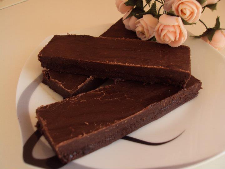 Retete vegetariene ilustrate ciocolata de casa for Ciocolata de casa reteta clasica