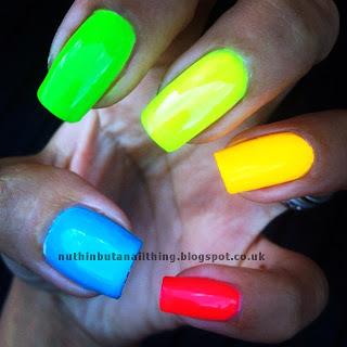 Neon nails