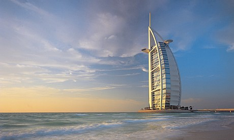 The famous hotels in dubai burj al arab for Dubai world famous hotel