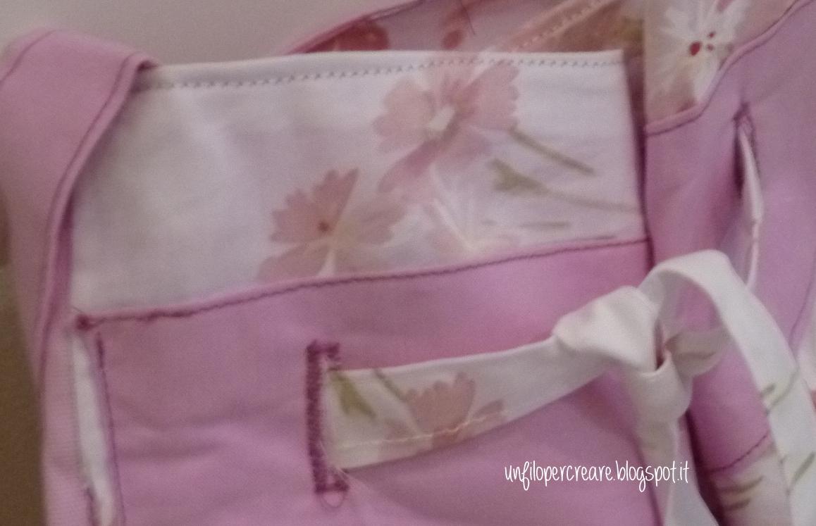 Un filo per creare una borsa romanticamente rosa - Volevo solo andare a letto presto ...