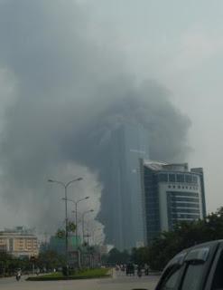 Fuego en torre Keangnam Hanoi