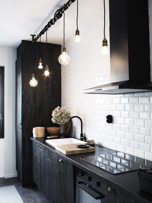 Vintage chic: rocka svart kjøkken/ black and white kitchen