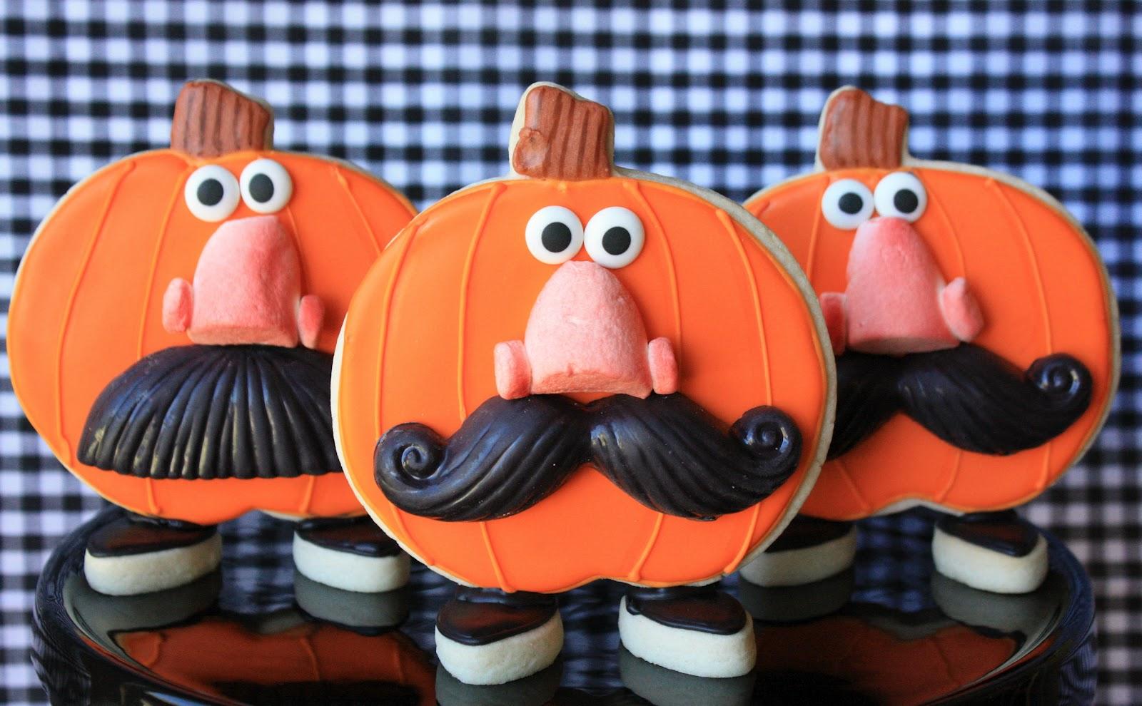 Munchkin Munchies: Funny Face Pumpkin Cookies