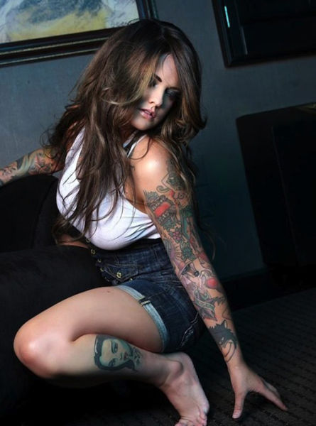 Sexy Girls with Tattoo Sleeves