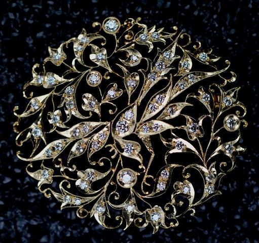 From her majestys jewel vault the singapore peranakan diamond from her majestys jewel vault the singapore peranakan diamond jubilee brooch aloadofball Image collections
