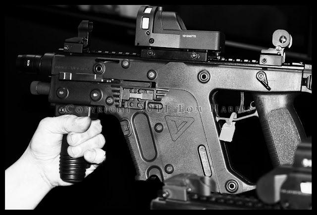 KWA KRISS Vector, Airsoft KRISS, Airsoft Vector, Airsoft submachine guns, Airsoft Sphinx Pistol, Sphinx 3000 compact 9mm, KRISS Super V action, Pyramyd Airsoft Blog, Tom Harris Media,