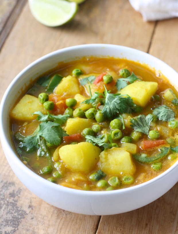 Potato & Sweet Pea Curry (Aloo Matar) recipe by SeasonWithSpice.com