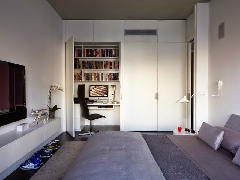... Post On My Desk Space I Thought It Would Be Fun To Talk About Really  Small Work Spaces. Before Tom And I Had Moved Into Our Current Home We  Lived In A ...