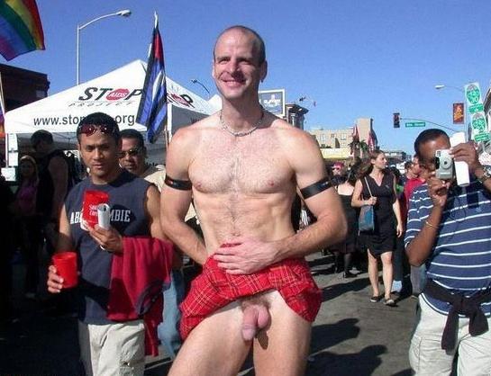 nude-men-in-kilts