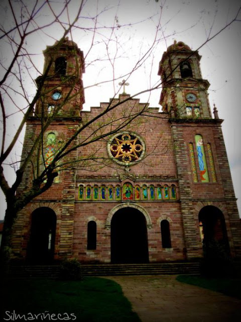 Iglesia de Santiago - Elizondo  - Navarra - Valle del Baztán