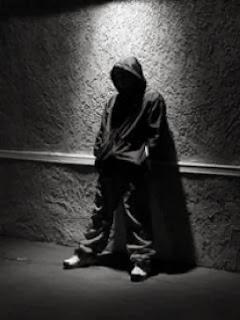 sad boy alone in dark - Dil tuta shayari
