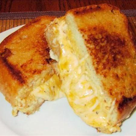 Ultimate Grilled Cheese Sandwich | Boy Meets Bowl