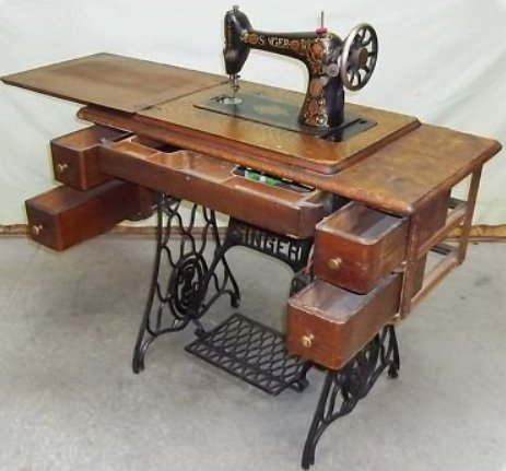 Old Singer Sewing Machine Drawings http://sewingmachinesfor-kids.blogspot.com/2013/03/old-singer-sewing-machines.html