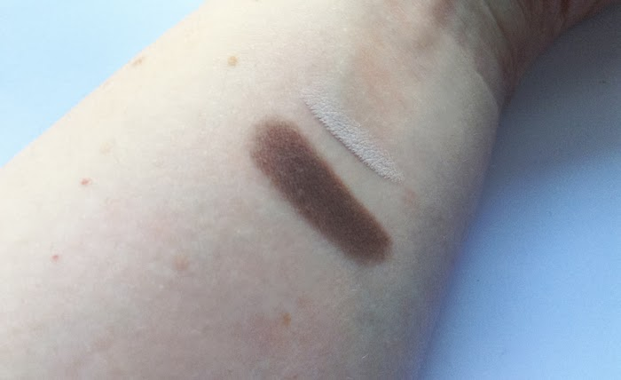 Infinity eyeshadow  240 tortora scuro matt e Skinny Fit Kajal 01 Intonation Shell - swatches
