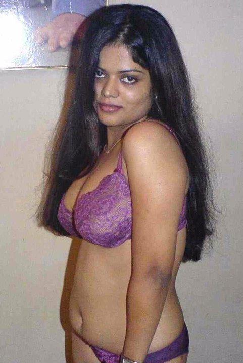 22 purple saree bhabhi sucking cock like pro 6